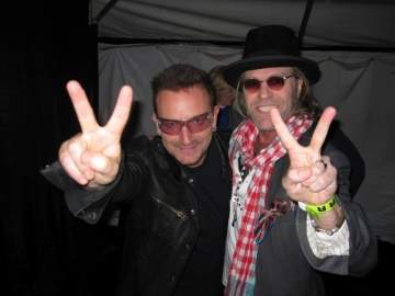 Big Kenny met U2's Bono at a concert stop in Norman, Oklahoma, on October 18. The two were introduced by a mutual friend due to their similar philanthropic passions.