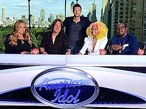 Photo (L-R): Mariah Carey, Keith Urban, Ryan Seacrest, Nicki Minaj and Randy Jackson.