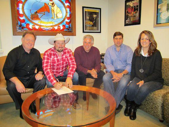 Pictured (L-R): Sony Music Nashville Chairman & CEO Gary Overton, Stevens, Ken Levitan (Vector Management), Sony Music Nashville VP A&R Jim Catino, Michelle Owens (Vector Management).
