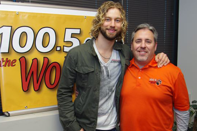 "Casey James (L) recently stopped in Wichita to help 100.5/KVWF the Wolf celebrate it's 5th Anniversary and promote his new single, ""The Good Life"" with afternoon/MD Colby Ericson (R)."