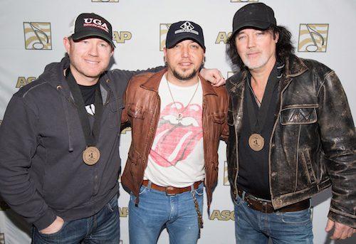 Pictured (L-R): Ben Hayslip, Jason Aldean, David Lee Murphy. Photo: Ed Rode.