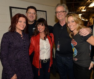 Pictured (L-R): Rosanne Cash, Vince Gill, Jessi Colter, CM HOF Executive Director Kyle Young, Sheryl Crow.