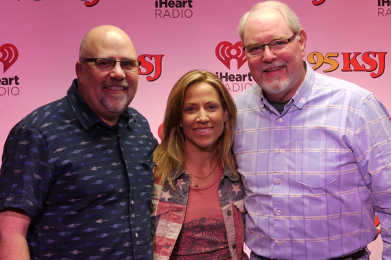 """Warner Bros./WMN artist Sheryl Crow recently vistied with WKSJ's Bill Black while on her radio tour for current single """"Easy."""" Pictured (L-R): Kevin Herring (WMN), Sheryl Crow, and Bill Black (WKSJ)"""