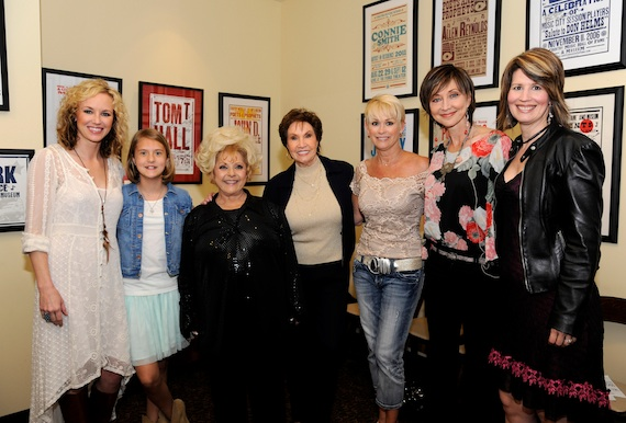 Pictured (L-R): Kristen Kelly, Emma Shudde, Brenda Lee, Jan Howard, Lorrie Morgan, Pam Tillis and Lisa Brokop.