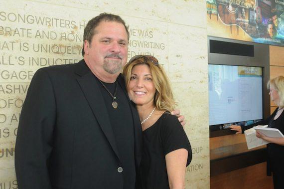 NaSHOF inductee Bob DiPiero and wife Leslie.