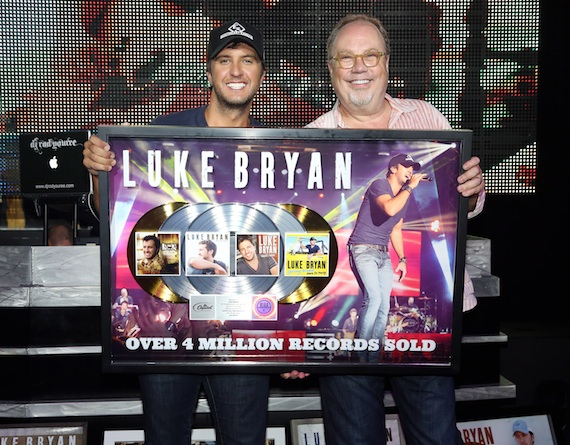 Pictured (L-R): Luke Bryan and Universal Music Nashville's Mike Dungan. Photo: Alan Poizner