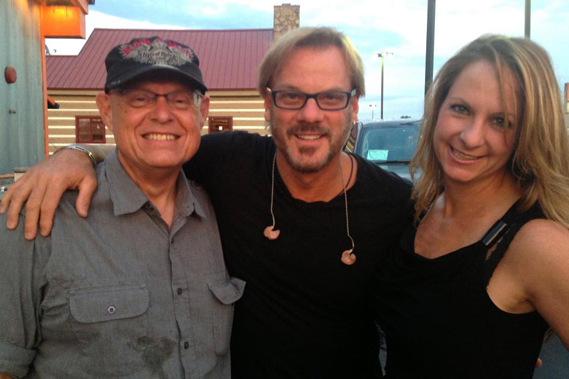 """Rodeowave Entertainment artist Phil Vassar visited with Knoxville's WCYQ/Q93 Program Director Mike Hammond about his latest single """"Love Is Alive."""" Pictured (L-R): Mike Hammond (WCYQ); Vassar; and Jennifer Shaffer (Rodeowave Entertainment)"""