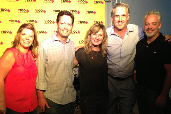 "Solo act, Jennifer Nettles, recently visited with KCYY at the station's Listening Lounge in promotion of her single ""That Girl,"" which lands On Deck this week at No. 84. Pictured (L-R): Jill Brunett (Mercury), Jeff Miles (KCYY), Jennifer Nettles, Jeff Garrison (PD, KCYY), Damon Moberly (Mercury)."
