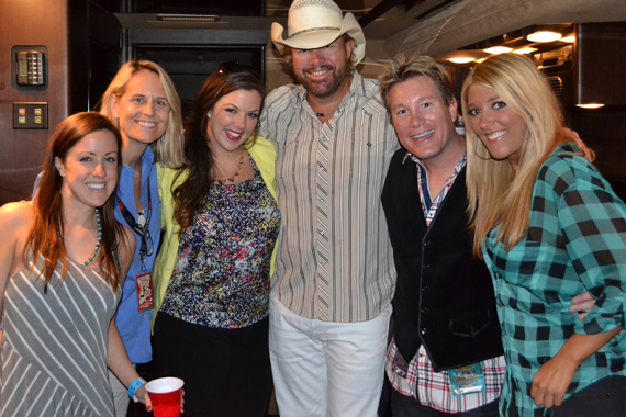 Toby Keith was with his daughter and singer Krystal were in Washington DC this past weekend with his Hammer Down Tour. The two hung out with the crew at WMZQ prior to the show. Pictured (L-R): Kim Sauer (WMZQ), Meg Stevens (OM/PD); Krystal, Toby, Boxer (morning show host), and Macy Morgenthaler (SDU)