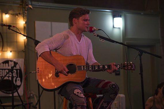 Frankie Ballard performs for 30 Abes.
