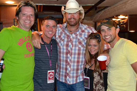 Toby Keith joins staff members of KBEQ during a stop on his Hammer Down Tour in Kansas City, Mo. Pictured (L-R): Greg Sax (SDU); Mike Kennedy (KBEQ/PD); Keith; TJ McEntire (KBEQ MD); Joshua James (KBEQ On Air)
