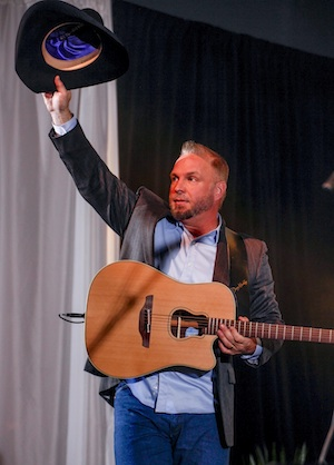 Garth Brooks honors George Strait at the ASCAP Country Awards in Nashville.