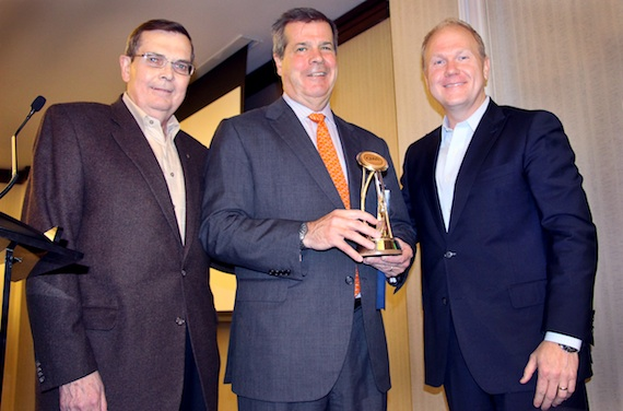 Nasvhille Mayor Karl Dean (center) receives the CMA Founding President's Award from Ed Hardy, CMA Board President (l), and Troy Tomlinson, CMA Board Chairman and President/CEO of Sony/ATV Music Publishing, during the CMA Board of Directors meetings today in Nashville.Photo Credit: Christian Bottorff / CMA