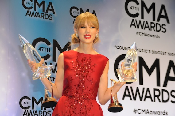 taylor swift cma awards