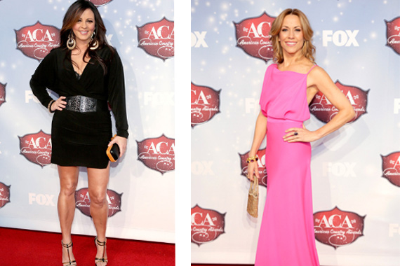"RCA Nashville's Sara Evans (L) stopped by the ACA red carpet this week promoting her No. 15 single this week ""Slow Me Down."" Also on the carpet this week was Warner Nashville's Sheryl Crow, whose ""Callin' Me When I'm Lonely"" lands on-deck this week at No. 82. Photos: Isaac Brekken."