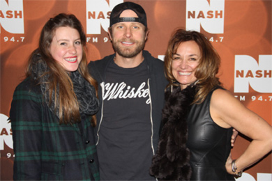 "Dierks Bentley recently visited with WNSH/New York at the station's first Nash Holiday Bash in promotion of his No. 5 Capitol Nashville single, ""I Hold On."" Pictured (L-R): Abby Bryant, Bentley and Kim Bryant (Cumulus/New York MM)"