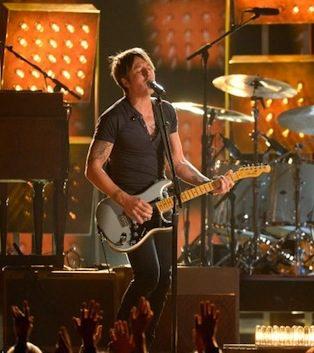 Keith Urban performs on the Grammys.