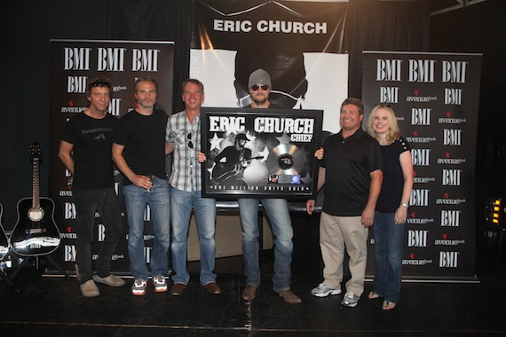 Celebrating the platinum certification of Eric Church's project Chief. Pictured (L-R): Producer, Jay Joyce; Q Prime's John Peets; Capitol Nashville's Steve Hodges; Eric Church; Capitol Nashville's Tom Becci, Capitol Nashville's Cindy Mabe. Photo: Alan Poizner