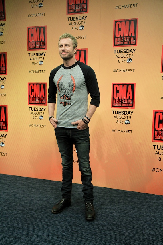Dierks Bentley backstage at LP Field. Photo: Moments by Moser