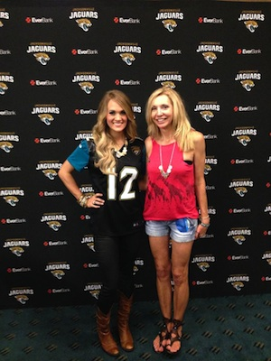 Pictured (L-R): Carrie Underwood and WQIK/Jacksonville PD Cindy Spicer