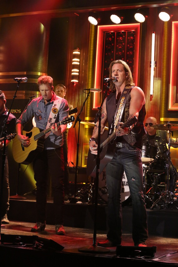 """Florida Georgia Line performed their new single """"Dirt"""" on NBC's The Tonight Show Starring Jimmy Fallon on Tuesday."""