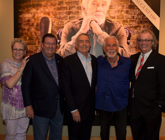 Pictured (L-R): The Country Music Hall of Fame and Museum's VP of Museum Services Carolyn Tate, Museum Board Chairman Steve Turner, Dan Rather, Kenny Rogers, and Museum Executive Director Kyle Young. Photo: Rick Diamond