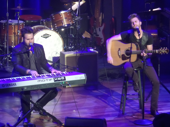 The Swon Brothers perform at the ACM Honors. Photo by Bev Moser.