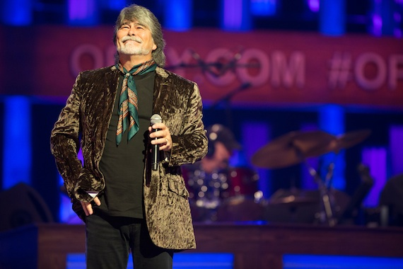 Alabama's Randy Owen performs. Photo: Chris Hollo