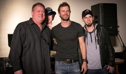 (L-R): Mike Sistad (ASCAP), Bentley and Chris Thompkins