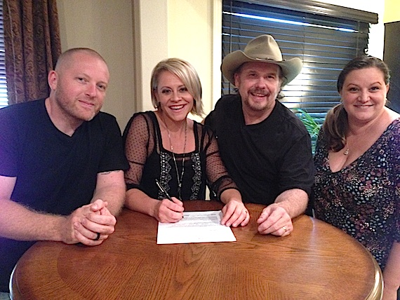Pictured l to r: Flying Island's Louis Newman, Gwen Sebastian, Artist Events' Gary Kirves and Flying Island's Nancy Eckert