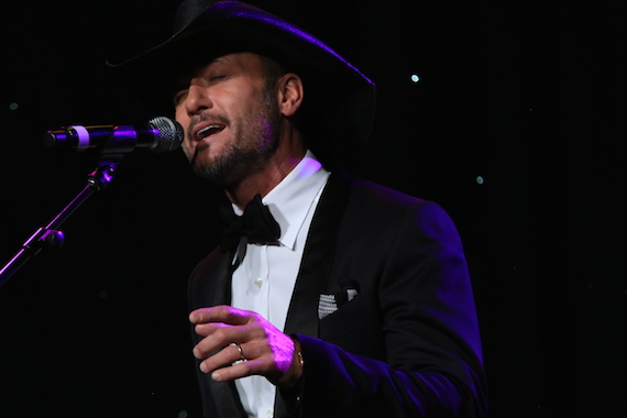 Performance by Tim McGraw. Photo: Bev Moser
