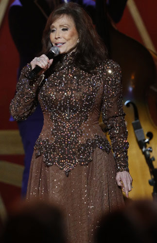 Loretta Lynn performed during the 2014 CMA Awards. Photo: CMA