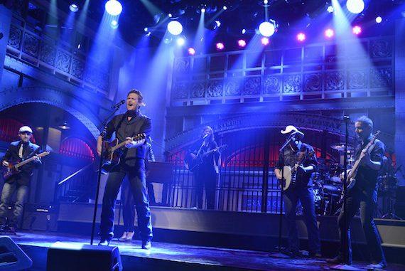 Blake Shelton performs on the set of Saturday Night Live. ©2015/Dana Edelson/NBC
