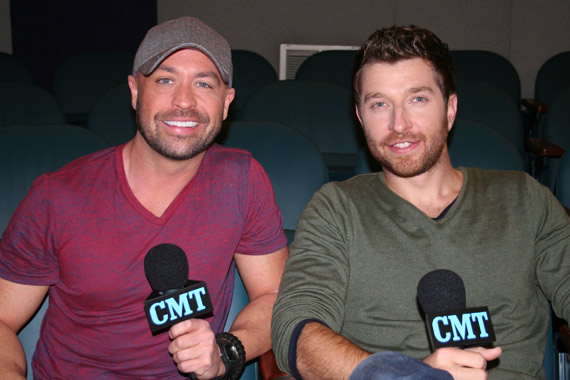Cody Alan (L), Brett Eldredge (R).