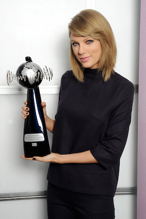 Taylor Swift awarded with the IFPI Global Recording Artist of 2014 Award. Photo: IFPI.com/Dave Hogan for Getty Images