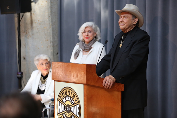 "Jim Ed Brown and The Browns (Maxine, left, and Bonnie) are announced as the newest inductees into the Country Music Hall of Fame in the ""Veterans Era Artist"" category. Photo: Alan Poizner / CMA"