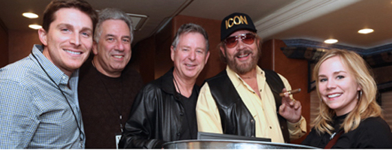 Pictured (L-R): BMLG's John Zarling, Vector Management's Ken Levitan, Nash Icon Records' Jim Weatherson, Hank Williams, Jr., BMLG's Jackie Campbell) . Photo: Randi Radcliff