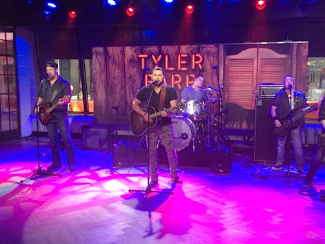 "Tyler Farr performs his gold hit song ""A Guy Walks Into A Bar"" on NBC's Today."