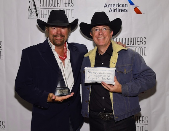 Toby Keith and Stephen Colbert Photo: Larry Busacca