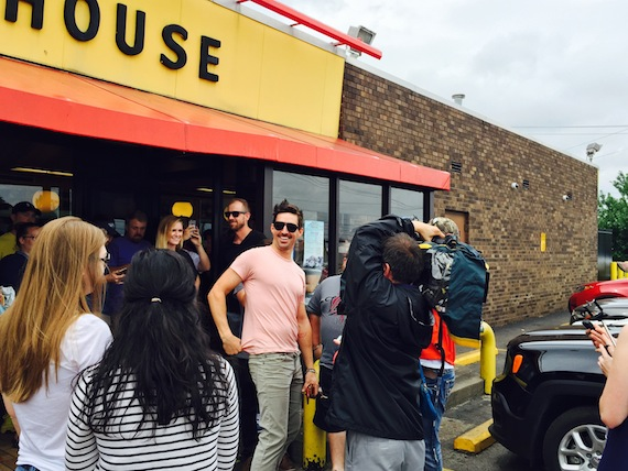 """Jake Owen treats fans to lunch at Waffle House to celebrate new single """"Real Life"""""""