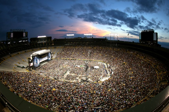 Kenny Chesney at Lambeau Field on June 20, 2015 Photo: Jill Trunnell