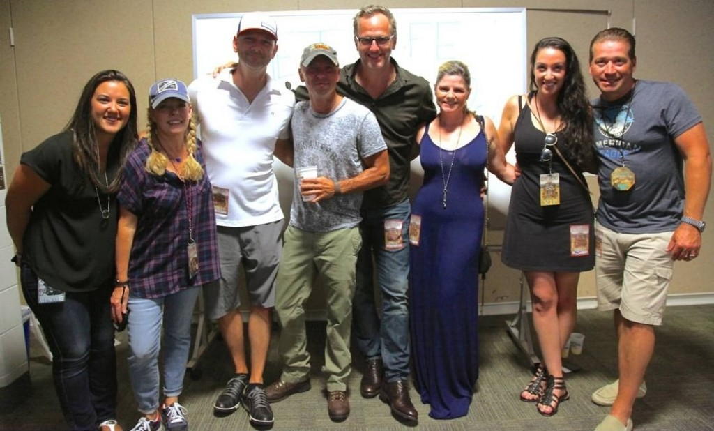 Pictured (L-R):  Morris Higham Management's Basak Kizilisik and Buffy Cooper; iHeartMedia's newly named leader of its iHeartCountry team, Rod Phillips; Chesney; Tom Poleman, President of Nat'l Programming Platforms, iHeartMedia; Tom's wife; and iHeart's VP Artist Relations Marissa Morris and Hot AC Brand Mgr/Nat'l Programming Platforms/ PD of New York's 103.5 KTU Rob Miller.