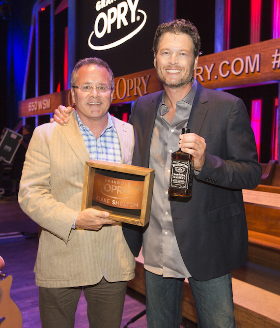 Pictured (L-R): Pete Fisher and Blake Shelton.