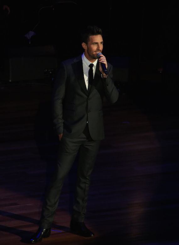 Jake Owen hosts the ACM Honors. Photo: Bev Moser, Moments By Moser.