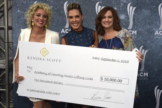 Pictured (L-R): Cam; Kendra Scott, Founder of Kendra Scott; Lori Badgett, ACM Lifting Lives President