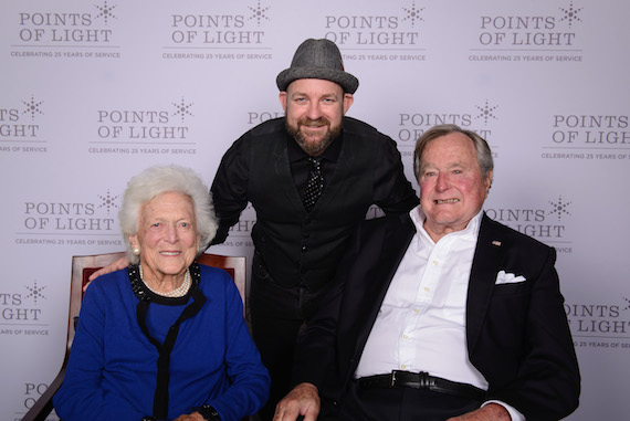 Pictured (L-R): Former first lady Barbara Bush, Kristian Bush and former President George H. W. Bush. Photo: Points of LIght