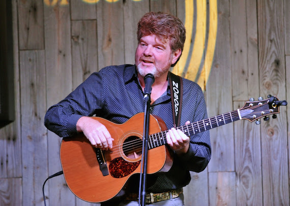 Mac McAnally performs at the ACM offices.