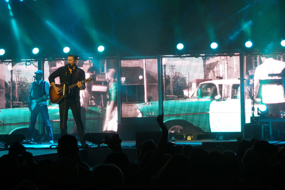 Chris Young performs at Nashville's Ascend Amphitheater (Aug. 31).