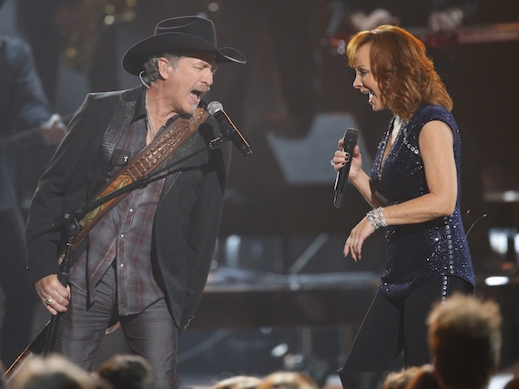 Pictured (L-R) Brooks & Dunn's Kix Brooks, Reba. Photo: Donn Jones/CMA