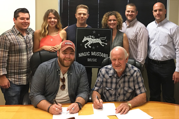 Pictured (front row L-R): Colton McGee, BBR Music Group; Magic Mustang Music's Lydia Schultz, Keithan Melton, Juli Newton-Griffith; Matt Cottingham, Ritholz Levy; Robert Filhart, ASCAP. (Bottom row L-R): Taylor Davis; Benny Brown, BBR Music Group President/CEO. Photo: BBR Music Group